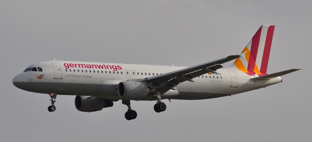 320_GERMANWINGS_D-AIPX_147_09_06_14_BCN_RIP_(16737863809)