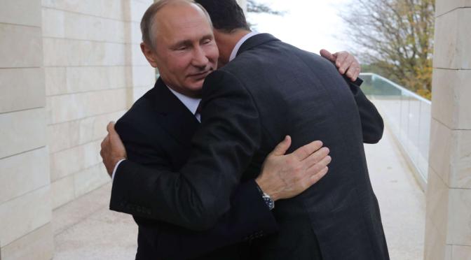 Assad umarmt Putin